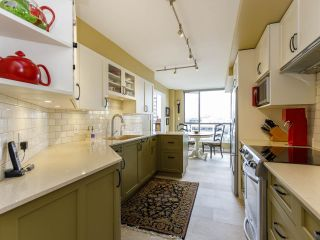 """Photo 5: 704 1575 W 10TH Avenue in Vancouver: Fairview VW Condo for sale in """"TRITON"""" (Vancouver West)  : MLS®# R2480004"""