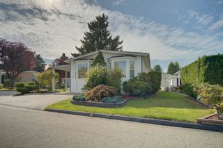 """Photo 1: 85 7790 KING GEORGE Boulevard in Surrey: East Newton Manufactured Home for sale in """"CRISPEN BAYS"""" : MLS®# R2617693"""