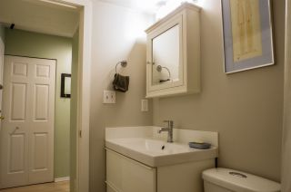 """Photo 10: 207 2238 ETON Street in Vancouver: Hastings Condo for sale in """"ETON HEIGHTS"""" (Vancouver East)  : MLS®# R2454959"""