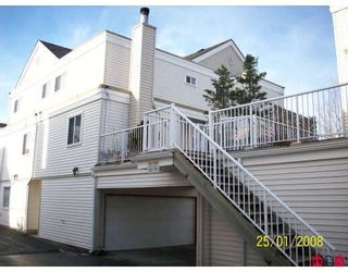 """Photo 1: 122 10091 156TH Street in Surrey: Guildford Townhouse for sale in """"GUILDFORD PARK ESTATES"""" (North Surrey)  : MLS®# F2802310"""