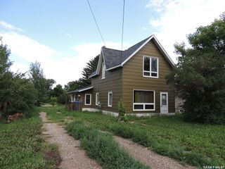 Photo 1: 722 Main Street in Oxbow: Residential for sale : MLS®# SK863093