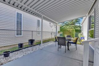 """Photo 23: 39 2345 CRANLEY Drive in Surrey: King George Corridor Manufactured Home for sale in """"LA MESA"""" (South Surrey White Rock)  : MLS®# R2601872"""