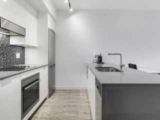 """Photo 5: 510 2788 PRINCE EDWARD Street in Vancouver: Mount Pleasant VE Condo for sale in """"UPTOWN"""" (Vancouver East)  : MLS®# R2148686"""