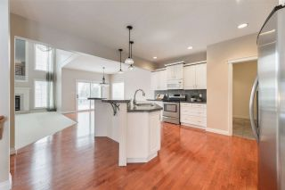 Photo 6: 1197 HOLLANDS Way in Edmonton: Zone 14 House for sale : MLS®# E4221432