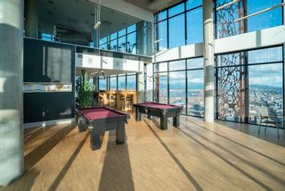 """Photo 17: 3208 128 W CORDOVA Street in Vancouver: Downtown VW Condo for sale in """"Woodward's (W43)"""" (Vancouver West)  : MLS®# R2587724"""