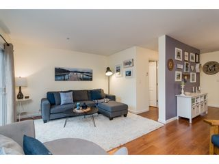 """Photo 3: 2 19948 WILLOUGHBY Way in Langley: Willoughby Heights Townhouse for sale in """"Cranbrook Court"""" : MLS®# R2324566"""