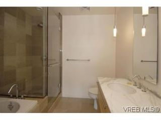 Photo 12: 212 68 Songhees Rd in VICTORIA: VW Songhees Condo for sale (Victoria West)  : MLS®# 499543
