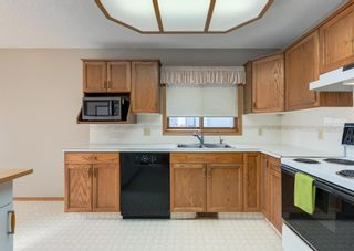 Photo 11: 152 Riverside Circle SE in Calgary: Riverbend Detached for sale : MLS®# A1154041