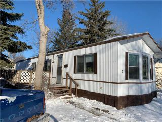 Photo 1: 3 Surrey Place in Winnipeg: South Glen Residential for sale (2F)  : MLS®# 1909107
