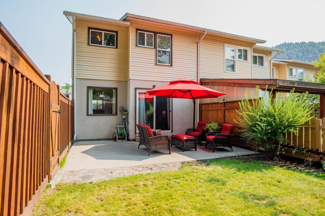 Main Photo: 3383 LAUREL CRESCENT in Trail: House for sale : MLS®# 2460966