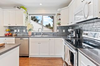 Photo 11: 7421 COTTONWOOD Street in Mission: Mission BC House for sale : MLS®# R2609151