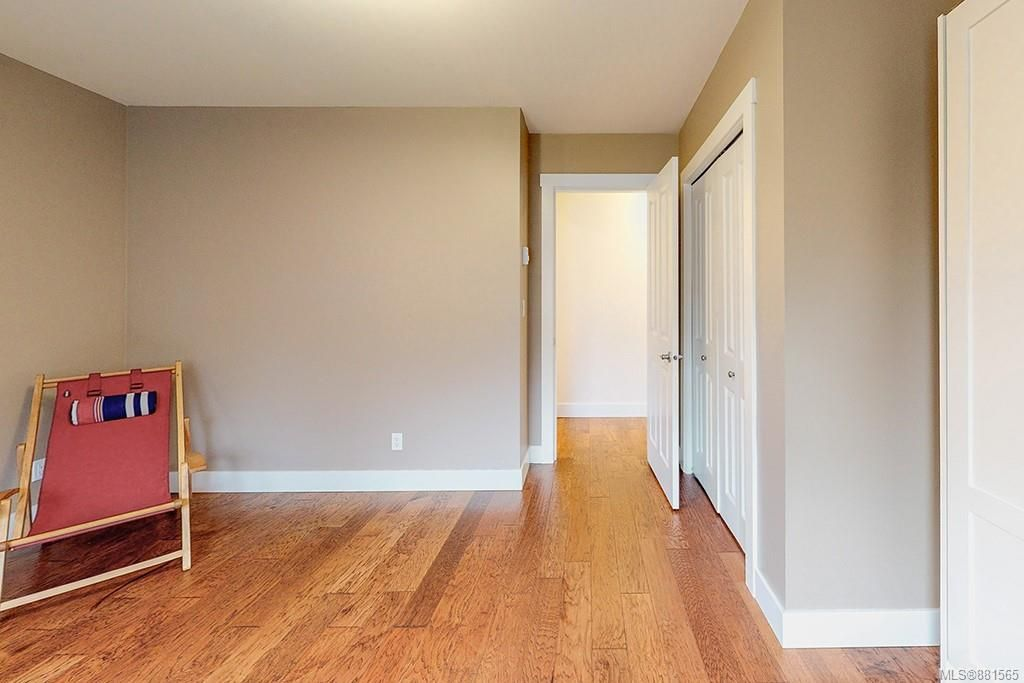 Photo 12: Photos: 990 Arngask Ave in : La Bear Mountain House for sale (Langford)  : MLS®# 881565