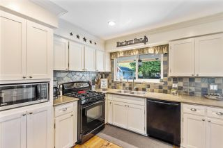 """Photo 14: 24388 46A Avenue in Langley: Salmon River House for sale in """"Strawberry Hills"""" : MLS®# R2574788"""