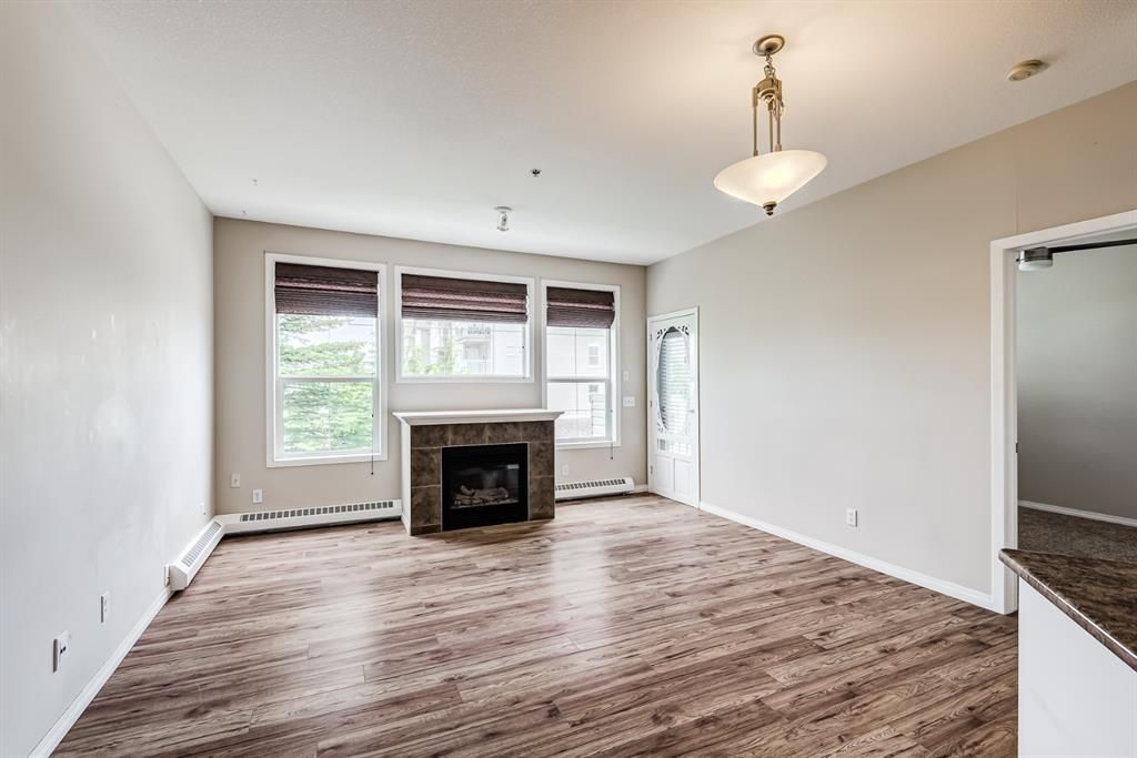 Photo 6: Photos: 204 1000 Applevillage Court SE in Calgary: Applewood Park Apartment for sale : MLS®# A1121312