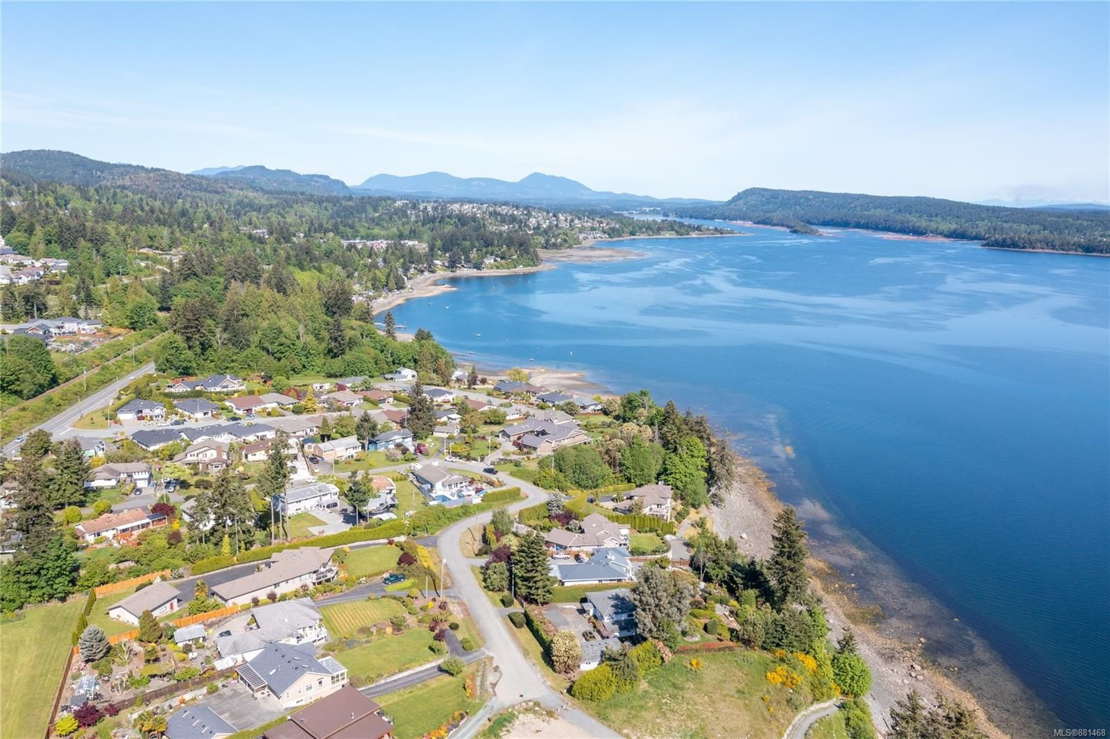Main Photo: 11289 Green Hill Dr in : Du Ladysmith House for sale (Duncan)  : MLS®# 881468
