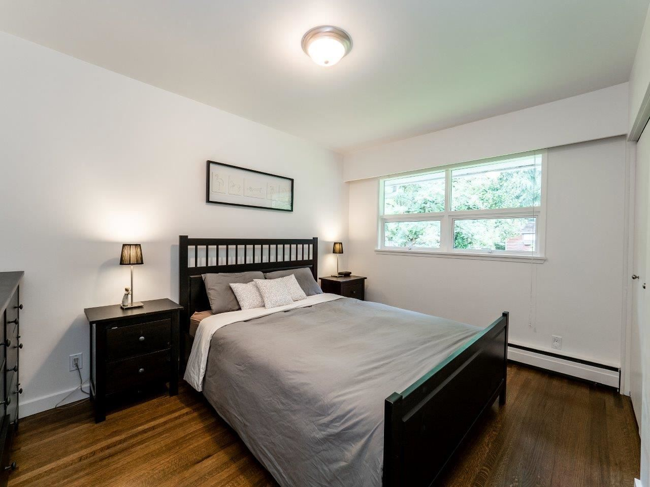 Photo 11: Photos: 1002 CLEMENTS Avenue in North Vancouver: Canyon Heights NV House for sale : MLS®# R2078694