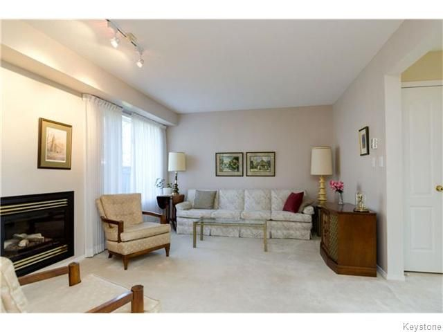 Photo 5: Photos: 650 Warde Avenue in Winnipeg: River Park South Condominium for sale (2F)  : MLS®# 1622113