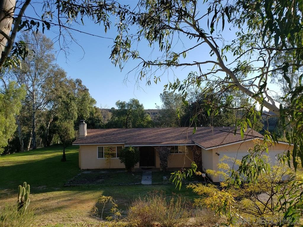 Main Photo: VALLEY CENTER House for sale : 3 bedrooms : 13425 Hilldale Rd
