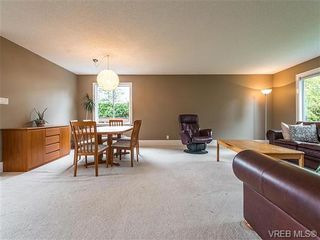 Photo 8: 599 Ridgegrove Ave in VICTORIA: SW Northridge House for sale (Saanich West)  : MLS®# 700992