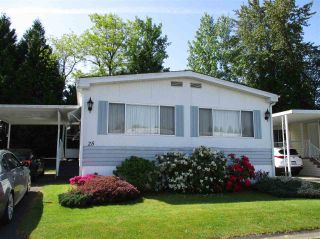 """Photo 1: 25 13507 81 Avenue in Surrey: Queen Mary Park Surrey Manufactured Home for sale in """"Park Boulevard Estates"""" : MLS®# R2583115"""