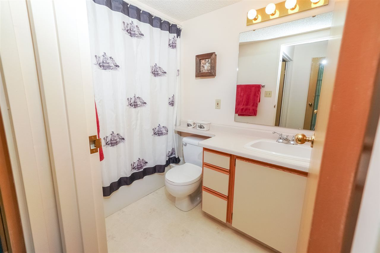 Photo 16: Photos: 205 5212 48 Avenue: Wetaskiwin Condo for sale : MLS®# E4215302