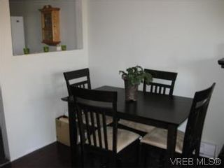 Photo 3: 8 738 Wilson St in VICTORIA: VW Victoria West Row/Townhouse for sale (Victoria West)  : MLS®# 506091