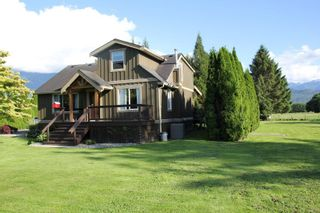 Photo 3: 49386 YALE Road in Chilliwack: East Chilliwack House for sale : MLS®# R2469165
