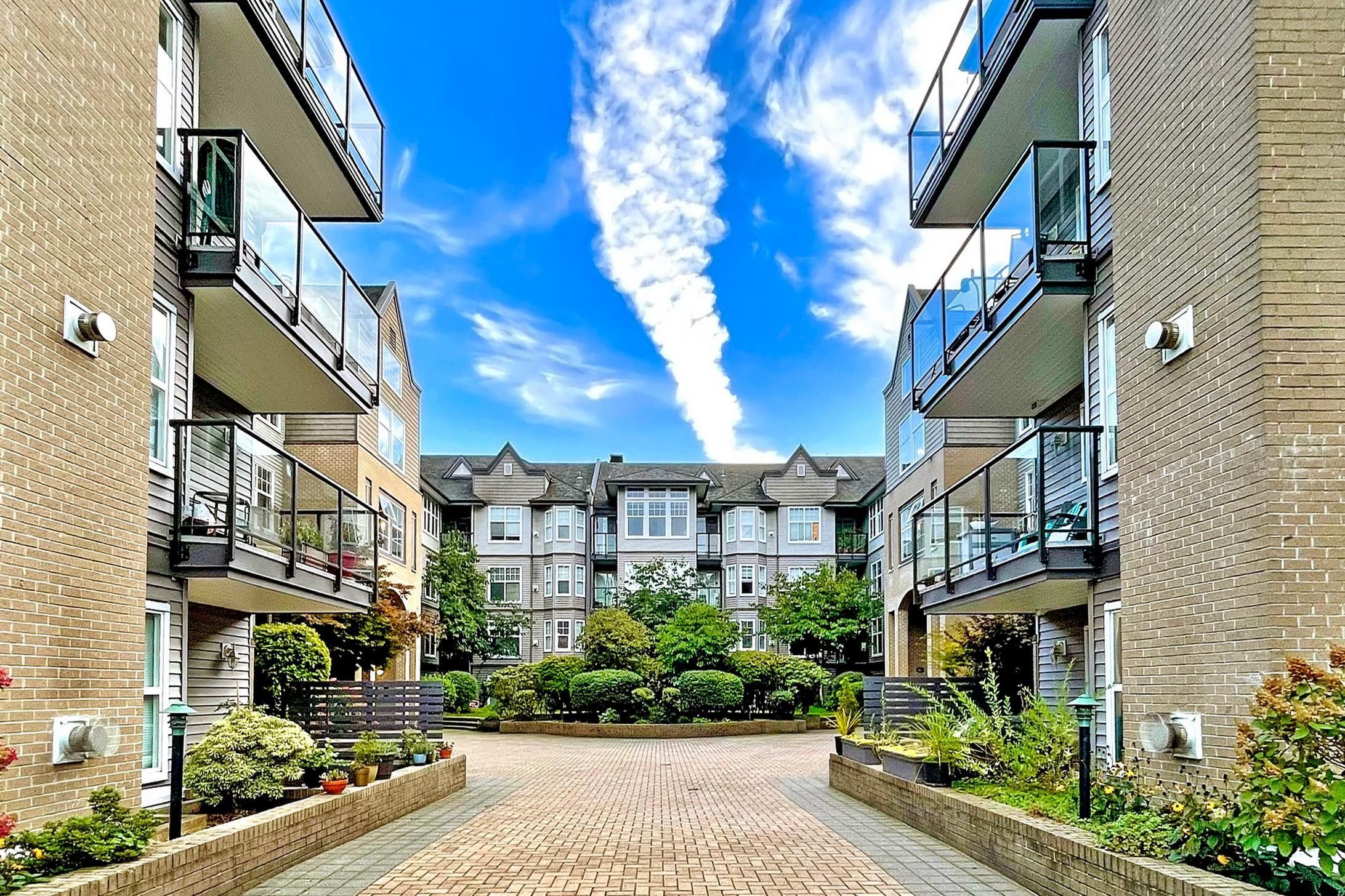 Main Photo: 106 20200 56 Avenue in Langley: Langley City Condo for sale : MLS®# R2620442