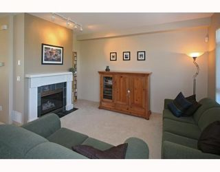 Photo 3: 3 15 FOREST PARK Way in Port_Moody: Heritage Woods PM Townhouse for sale (Port Moody)  : MLS®# V777400