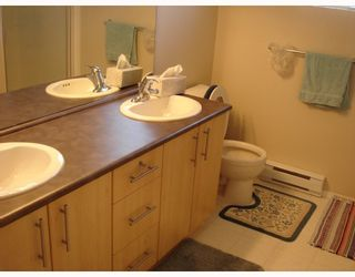 """Photo 9: 59 9333 SILLS Avenue in Richmond: McLennan North Townhouse for sale in """"JASMINE LANE"""" : MLS®# V718256"""
