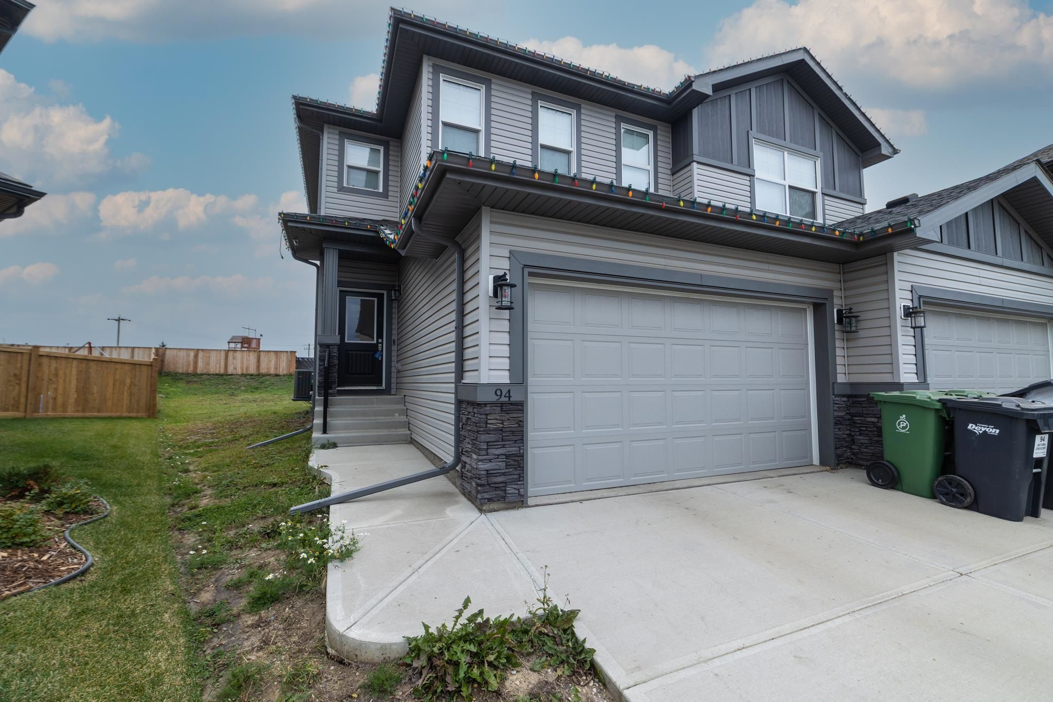 Main Photo: 94 ASTORIA Crescent: Devon House Half Duplex for sale : MLS®# E4265548