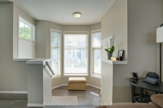 Photo 2: 240 MCKENZIE TOWNE Link SE in Calgary: McKenzie Towne Row/Townhouse for sale : MLS®# A1017413
