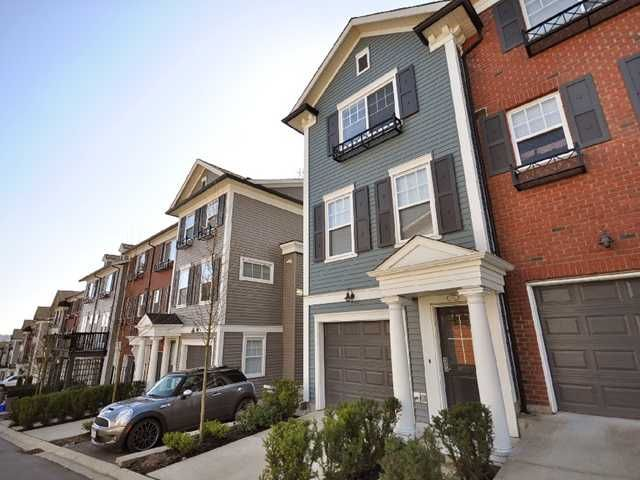 """Main Photo: 21 688 EDGAR Avenue in Coquitlam: Coquitlam West Townhouse for sale in """"GABLE"""" : MLS®# V880313"""