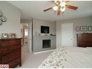 """Photo 7: 21517 87TH Avenue in Langley: Walnut Grove House for sale in """"FOREST HILLS"""" : MLS®# F1117693"""