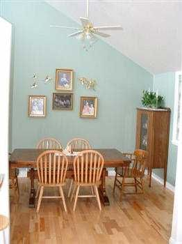 Photo 7: 1481 PARK AV in Roberts_Creek: Roberts Creek House for sale (Sunshine Coast)  : MLS®# V343592