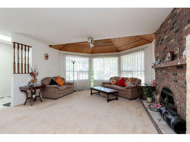 Photo 3: Photos: 15423 93 AV in Surrey: Fleetwood Tynehead House for sale : MLS®# F1447142