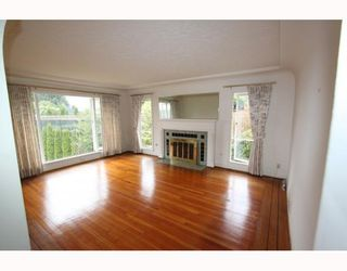 Photo 4: 2557 MARINE Drive in West Vancouver: Dundarave House for sale : MLS®# V809921