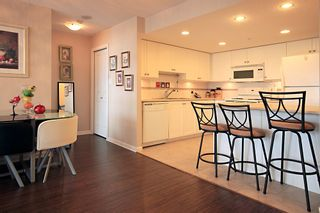 Photo 6: 1704 615 HAMILTON STREET in New Westminster: Uptown NW Condo for sale : MLS®# R2136770