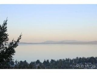 Photo 20: 8 942 Boulderwood Rise in VICTORIA: SE Broadmead Row/Townhouse for sale (Saanich East)  : MLS®# 527520