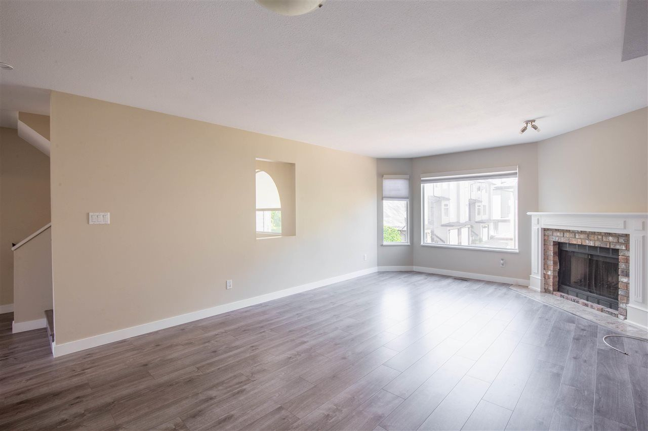 Photo 4: Photos: 3 8751 BENNETT Road in Richmond: Brighouse South Townhouse for sale : MLS®# R2579268
