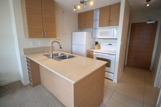 """Photo 17: 1303 909 MAINLAND Street in Vancouver: Yaletown Condo for sale in """"YALETOWN PARK 2"""" (Vancouver West)  : MLS®# R2561164"""