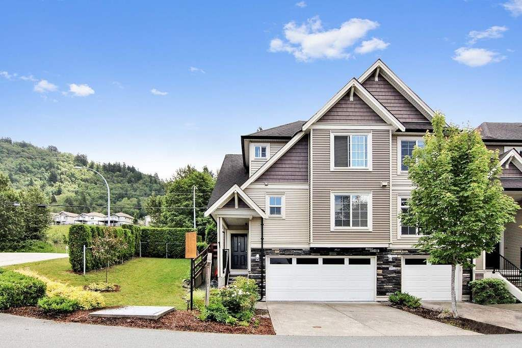 Main Photo: 1 46832 HUDSON ROAD in : Promontory Townhouse for sale : MLS®# R2378043