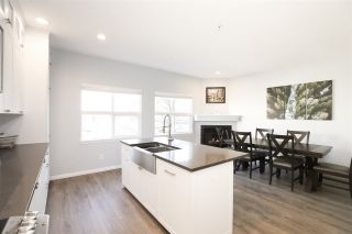 """Photo 12: 63 1055 RIVERWOOD Gate in Port Coquitlam: Riverwood Townhouse for sale in """"Mountain View Estates"""" : MLS®# R2446055"""