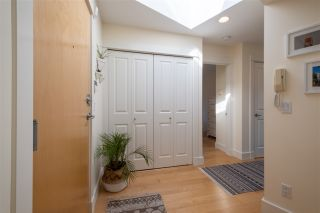 """Photo 20: 401 1586 W 11TH Avenue in Vancouver: Fairview VW Condo for sale in """"Torrey Pines"""" (Vancouver West)  : MLS®# R2561085"""
