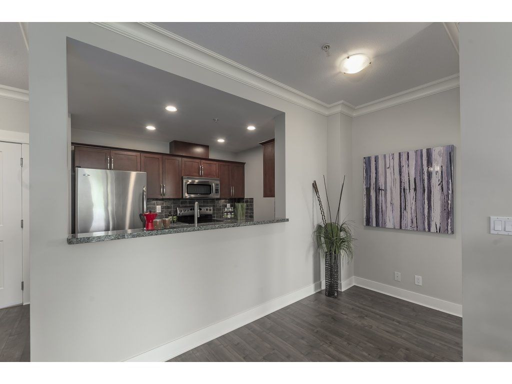 """Photo 7: Photos: 318 5430 201 Street in Langley: Langley City Condo for sale in """"The Sonnet"""" : MLS®# R2282213"""