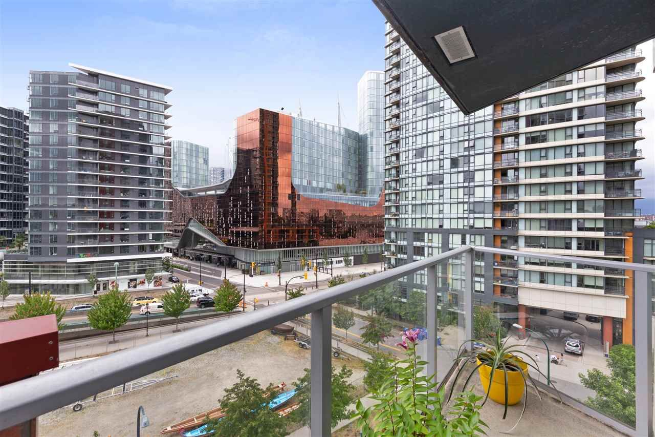 Main Photo: 801 918 COOPERAGE WAY in Vancouver: Yaletown Condo for sale (Vancouver West)  : MLS®# R2276404