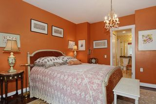 """Photo 16: 210 3088 W 41ST Avenue in Vancouver: Kerrisdale Condo for sale in """"LANESBOROUGH"""" (Vancouver West)  : MLS®# V1048827"""