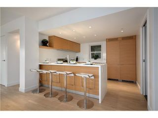 """Photo 4: 1560 COMOX Street in Vancouver: West End VW Townhouse for sale in """"C & C"""" (Vancouver West)  : MLS®# V931031"""