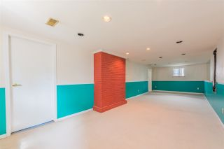 Photo 12: 1525 EDINBURGH Street in New Westminster: West End NW House for sale : MLS®# R2403335