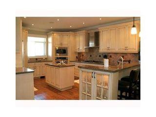 Photo 2: 2090 DIAMOND Road in Squamish: Home for sale : MLS®# V955260